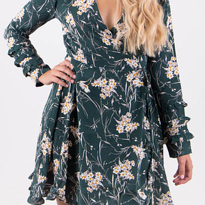 Floral-women-green-dress-forsep-style-marketplace-miss-truth
