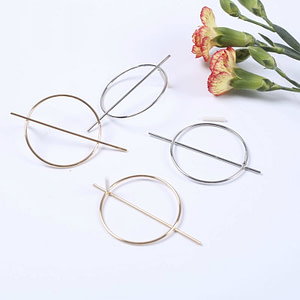 gold hoop earrings - fashion jewellry trend 2019